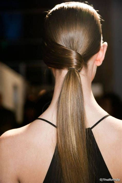 3 Low Ponytails to Try Right Now Business hairstyles