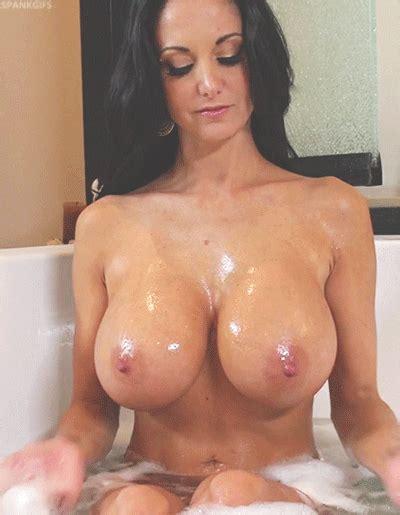 Wet Brunette Babe Jiggly Bare Mega Tots Sexual  1309