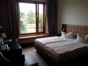 Sitzbank Vor Dem Bett : bett und sitzbank vor dem fenster picture of ostseehotel ~ Michelbontemps.com Haus und Dekorationen