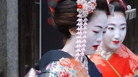 cours de cuisine par geisha et maiko une tradition japonaise
