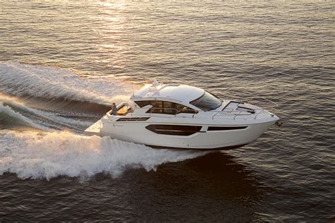 cruisers yachts  cantius boat test review