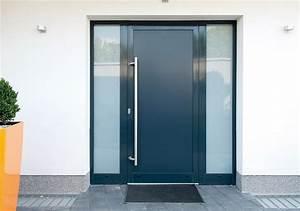 Hlinikove vchodove dvere do domu