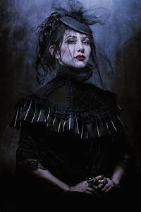 Painted, Haunting, Portraits, Mix, With, Dark, Fine, Art, Imagery, For, A, Modern, Take, On, Gothic