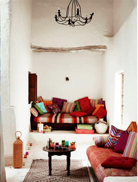 chaise pour chambre à coucher le canapé marocain qui va bien avec votre salon
