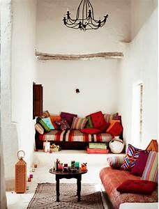 Deco Salon Moderne : le canap marocain qui va bien avec votre salon ~ Teatrodelosmanantiales.com Idées de Décoration