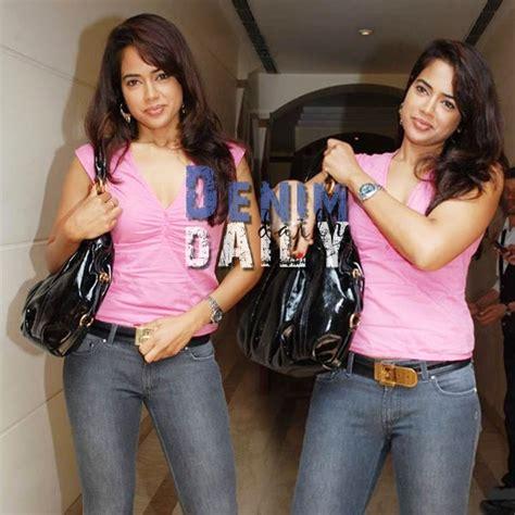 denim daily sameera reddy  skinny jeans