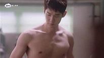 《浪漫醫生金師傅》柳演錫大秀胸肌 - YouTube