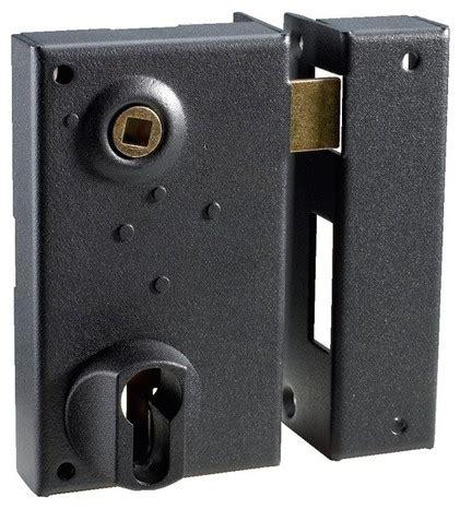 serrure en applique verticale pour porte d entr 233 e droite 73x125 mm brico d 233 p 244 t