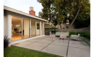 large concrete pavers garden landscape patio