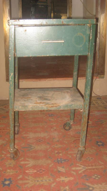 table de chevet m 233 tal 224 restaurer vintage les vieilles choses