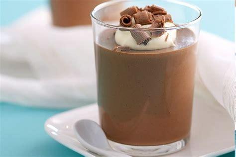 serve it bowl chocolate mousse