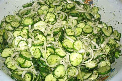 Gurķu salāti