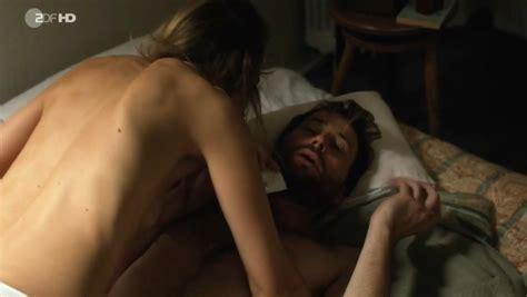 Alexandra schmidt agonie nackt