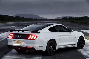 2020 Ford Mustang GT 5.0 - Fastback Coupe - Black Shadow Edition - Exterior 020 - rear three ...