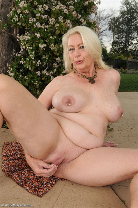 Hot Older Women 60 Year Old Angelique