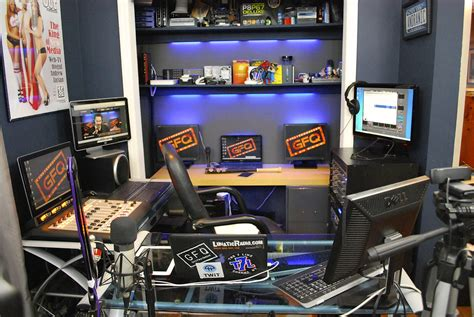 Pm Lighting by Podcast Studio Gfq Network Podcasting Network