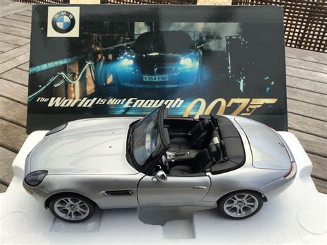 Brosnan Car by Bond Brosnan Kyosho 1 18 Diecast Car