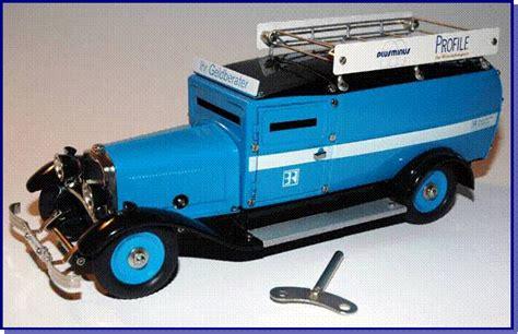 Model car bugatti atlantic scale 1/24 diecast vehicles vintage burago 1936. Trix Bugatti - Joel Perlin, Metal Construction Toy Specialist