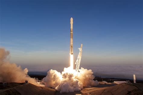 year  spacex falcon  rocket  launch