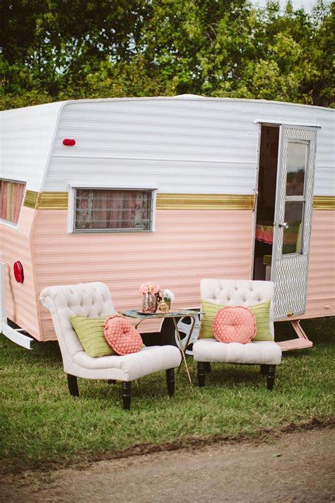 how to paint a vintage cer diy ideas remodeled cers vintage rv vintage caravans