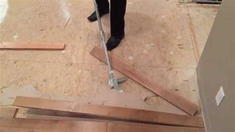 Artillery Tools Hardwood Flooring Removal  Video