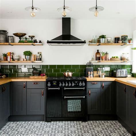 ideas de decoracion de cocinas pequenas  isla