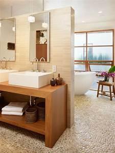 Le carrelage galet pratique revetement pour la salle de bain for Salle de bain design avec décoration de table exotique