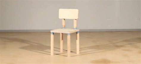 fabriquer une chaise miniature drm chair la chaise qui s 39 auto détruit après huit