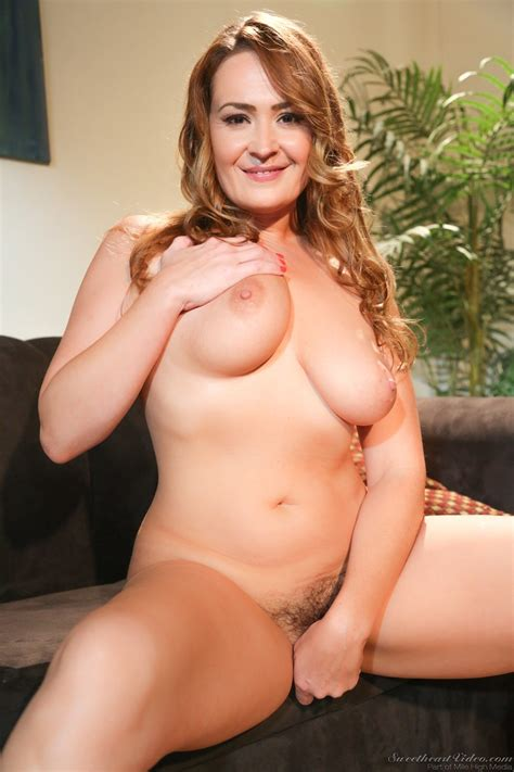 All Natural MILF Elexis Monroe Gets A Surprise Visit From