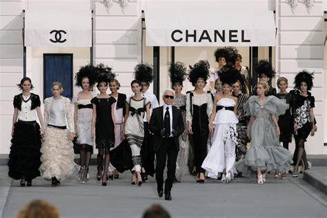 La Firma Chanel Llega A Cuba De La Mano De Karl Lagerfeld