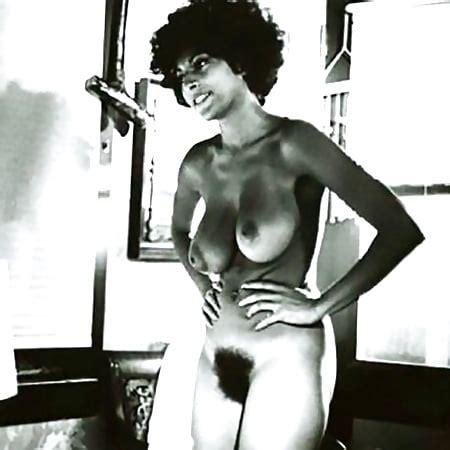 Pam Spencer  nackt