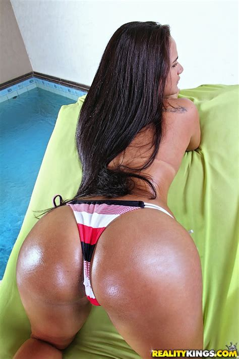 Hot Latina Angelika Sheds Shorts To Bare Big Booty And Fuck