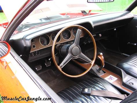 barracuda  convertible dash