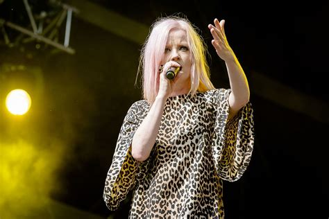 Shirley Manson - Wikipedia