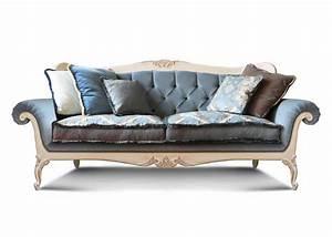 Sofa Mit Holzrahmen : luxus sofa mit handgeschnitzten details getuftete r ckenlehne f r wohnzimmer und hotels ~ Frokenaadalensverden.com Haus und Dekorationen