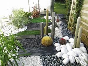 creation d39un jardin sec a allauch creation et entretien With idee allee de maison 18 creer un jardin avec des cactus et des palmiers
