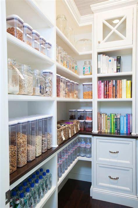 ideas  organize plastic containers