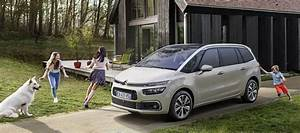 Citroen Grand C4 Picasso Showroom