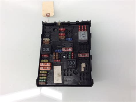 Volkswagen Jettum Gli Fuse Box by 2007 2008 Volkswagen Eos Engine Fuse Box Relay 1k0937124k