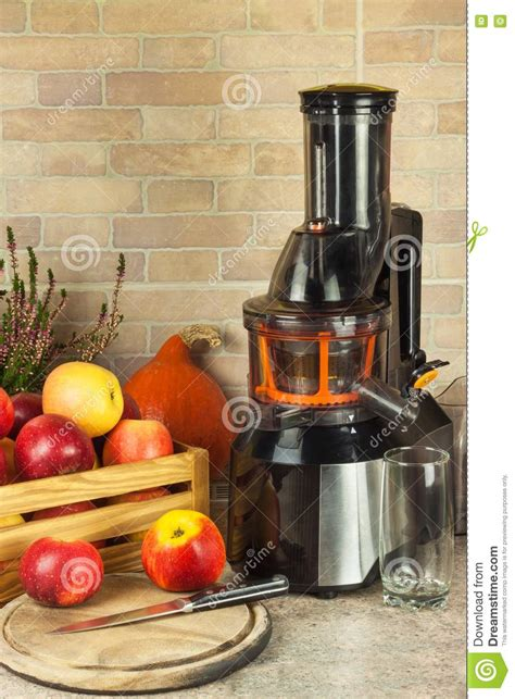 juice fresh apple fruit processing apples equipment juicer preparing autumnal juicing juices healthy kitchen detox
