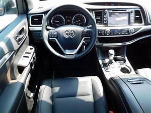 New 2019 Toyota Highlander Xle V6 Awd Sport Utility In
