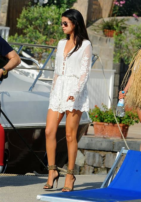 Selena Gomez spent the weekend in Italy (photos) - news-4y