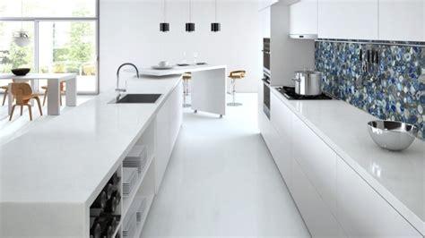 plan de travail cuisine blanche plan de travail cuisine en blanc quartz ou corian