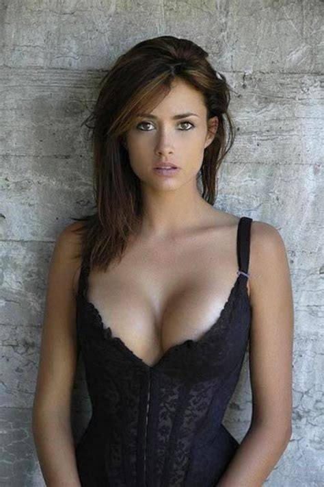 beautiful busty women jpg