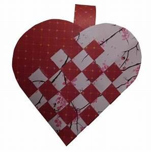 Herz Basteln Anleitung : so einfach flechtet ihr ein herz k rbchen aus papier ~ Lizthompson.info Haus und Dekorationen