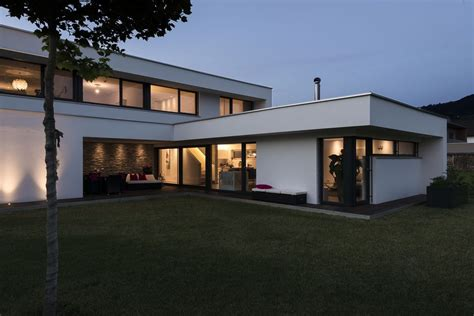 Modernes Haus Ohne Flachdach by Einfamilienhaus Rankweil Modern Massivbau L Form