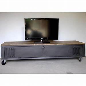Meuble Tv Industriel : vestiaire transform en meuble tv industriel metal et bois ~ Preciouscoupons.com Idées de Décoration