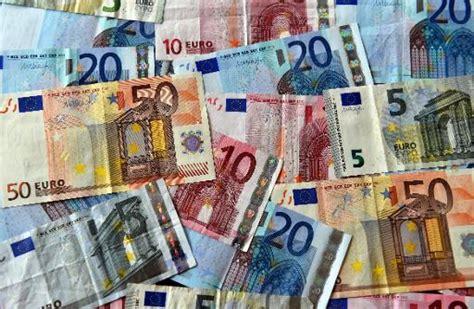 bureau de change argent il échange 6 millions d 39 euros de bijoux contre des