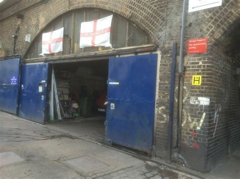 Garage Units For Rent by Railway Arch For Rent In Bow Mile End Nr Burdett Road E3