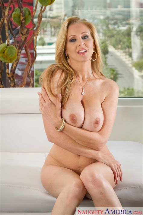 Julia Ann Is Waiting For Her Lover Photos Tyler Nixon